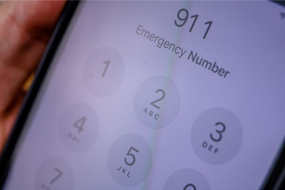 Can You Call 911 For A Pet Emergency
