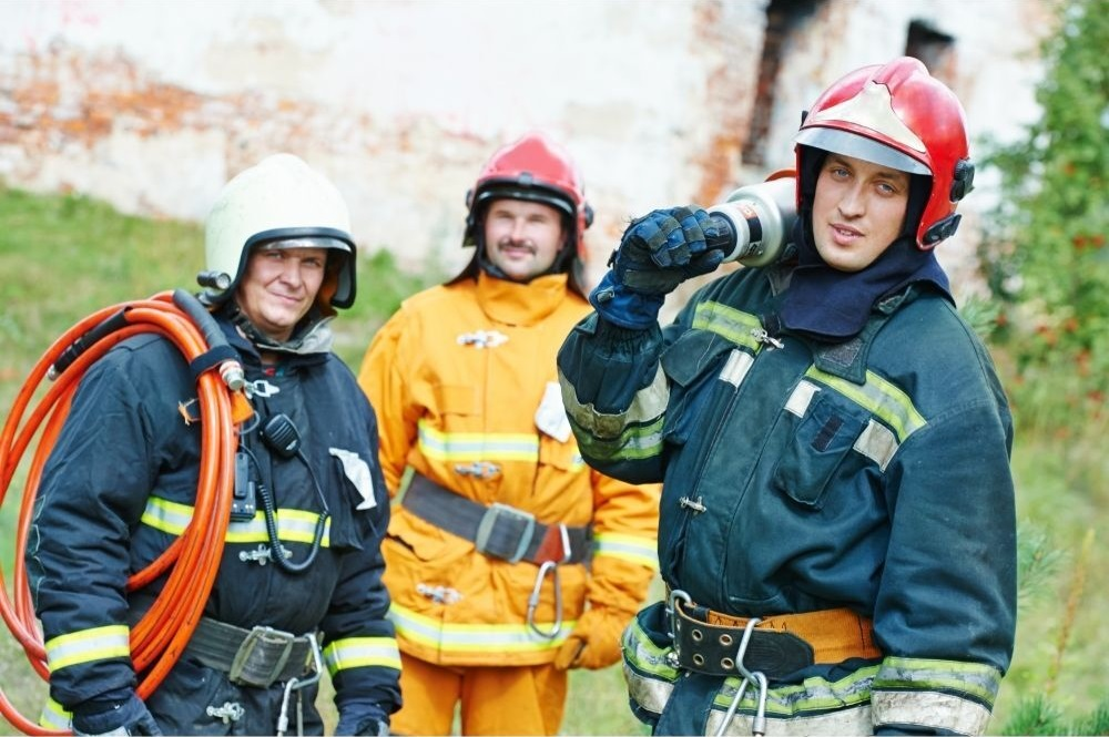 Can firefighters have beards