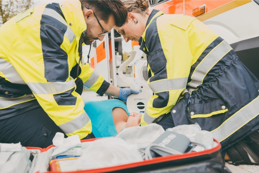 How long does it take to become a paramedic